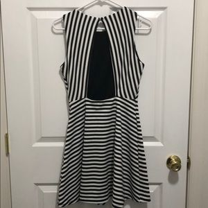Forever 21 Dresses - Forever 21 back and white striped dress, size M